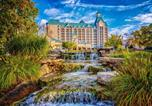 Villages vacances Branson West - Chateau on the Lake Resort Spa-1