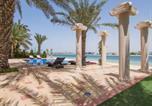 Location vacances Dubaï - 7 Bedroom Beachfront Estate Sleeps 16-1