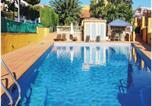 Location vacances Premià de Dalt - Four-Bedroom Holiday Home in El Masnou-3