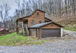 Location vacances Hot Springs - Cabin with Hot Tub and Mtn View, 6 Mi to Snowshoe Resort-4