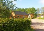 Location vacances Haute-Normandie - Chalet with 2 bedrooms in Berville with enclosed garden and Wifi-1