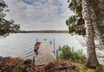 Location vacances Nominingue - Chalet Eagle Waterfront, Hot Tub + Sauna Barrel by Location4saisons-3