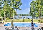 Location vacances Huntsville - Luxe Lakefront Scottsboro Home with Boat Slip and Pool!-2