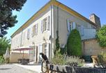 Location vacances Camaret-sur-Aigues - Chateau Pécoulette-1