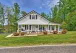Location vacances Fancy Gap - Dobson Farmhouse with Wraparound Porch and Fire Pit!-1