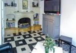 Location vacances Azille - Four-Bedroom Holiday Home in La Redorte-2