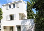 Location vacances Krk - Apartments Pinewood Villa-1