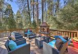 Location vacances Riverside - Remodeled Crestline Retreat Walk to Lake Gregory!-1