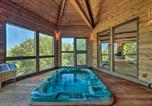 Location vacances Oakhurst - Oasis with Hot Tub and Mtn View, 19 Mi to Yosemite-2