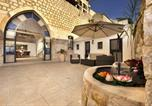 Location vacances Safed - The Antiquity Heart Mansion-1