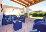Location vacances  Province de Raguse - House with 2 bedrooms in Ispica with enclosed garden 150 m from the beach-1