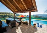 Location vacances Krapina - Four-Bedroom Holiday Home in Pregrada-2