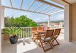 Location vacances Milna - Apartments Sunny Days-2