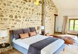 Location vacances Dompierre-les-Ormes - Maison du Cocher-3
