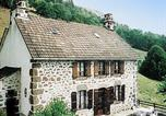Location vacances Pleaux - Holiday home Maison Bourrel St Martin Valmeroux-2