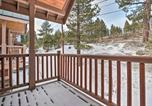 Location vacances Mammoth Lakes - All-Season Retreat, Walk to Village & Shuttle-2