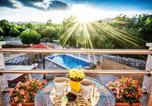 Location vacances Dugopolje - Romantic Villa by Split with Heated pool, Outdoor Jacuzzi and Bbq-1