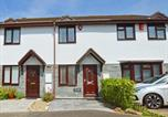 Location vacances Padstow - Modern Holiday Home in Padstow with Private Garden-1