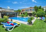 Location vacances Pollença - Villa in Pollenca Sleeps 8 includes Swimming pool Air Con and Wifi-1