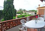 Location vacances Viladamat - Apartment Adelfa apt 6-4