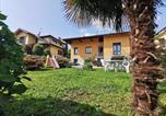 Location vacances Biandronno - Grandma's garden house-1