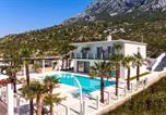 Location vacances Omiš - Villa Caribic with 72sqm private pool, whirlpool, sauna, outdoor lounge area-3