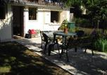 Location vacances  Yonne - Holiday home Rue de la Goulotte-1