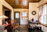 Location vacances Kerrville - Cottage on Bear Creek Bluff-1