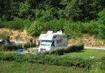 Camping avec Piscine couverte / chauffée Najac - Flower Camping du Lac de Bonnefon-1