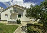 Location vacances Posedarje - Holiday house with 2 apartments Luka-2