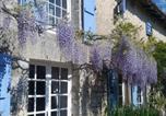 Hôtel Charroux - Chat Noir Gite et Chambre D'Hotes-4