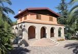 Location vacances  Province de Barletta-Andria-Trani - B&B Villa Adriana-4