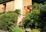 Location vacances Bozouls - La maisonnette en bois-1