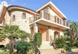 Location vacances Palizzi - Stunning home in Saline Ioniche w/ Outdoor swimming pool, Wifi and 4 Bedrooms-2