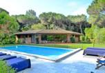 Location vacances Massa - Massa Villa Sleeps 12 Pool Air Con-1
