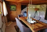 Hôtel Pont-en-Ogoz - Petite maison sur la colline du Gibloux: 1chambre,1 salon et salle de bain privés au rez de chaussé, piscine extérieur et Bbq ,-1