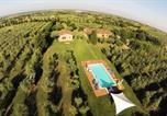 Location vacances  Province de Livourne - Casina Riccardo tra gli Ulivi a Bibbona-1