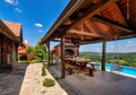 Location vacances Kalnik - Stunning home in Martinkovec w/ Outdoor swimming pool, Sauna and 3 Bedrooms-2