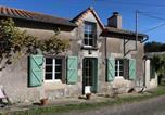 Location vacances Montmorillon - Charmante petite maison tout confort au calme.-2