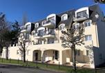 Location vacances Cabourg - En plein coeur du centre ville de Cabourg, joli 2 pièces dans Résidence restaurée-1