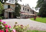 Location vacances  Province de Pordenone - Hotel Villa Luppis-1