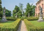 Location vacances  Province de Vicence - Courtyard-4