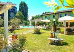 Location vacances  Province de Plaisance - Studio in Gragnao with shared pool balcony and Wifi-1