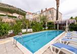 Location vacances Dubrovnik - Pile Villa Sleeps 8 with Pool Air Con and Wifi-1