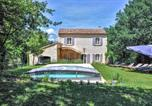 Location vacances Saignon - Stunning home in Apt with Outdoor swimming pool, Wifi and 4 Bedrooms-1