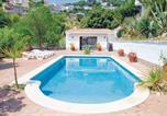Location vacances Canet de Mar - Holiday home S.Cebria De Vallalta 16 with Outdoor Swimmingpool-4