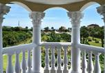 Location vacances Flagler Beach - Castle by the Sea, 7 Bedroom, Ocean View, Putting Green, Tiki Bar, Sleeps 17-2