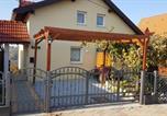 Location vacances Hrašćina - Vineyard Villa Maisonette Apartment with balcony-2
