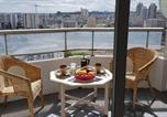 Location vacances  Paris - Beau studio rénové 30m2 balcon vue Paris+parking-1
