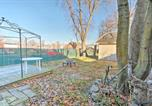 Location vacances Flemington - Colorful Abode with Yard, 9 Mi to Sesame Place!-2
